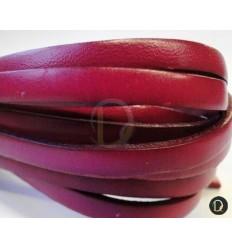Cuero plano de 10 mm. Color fucsia